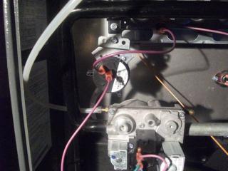 Газовый клапан в воздухонагревателе Goodman/