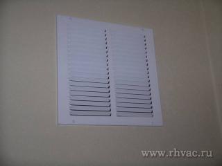 Решетка для возврата воздуха из жилых помещений в системе HVAC.
